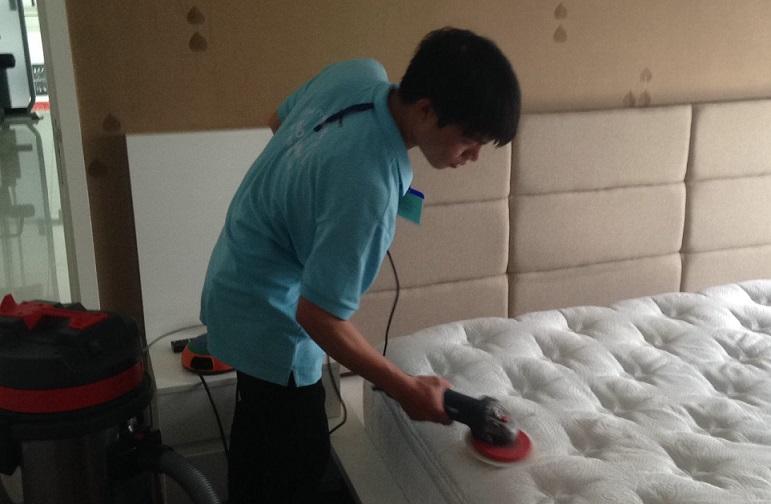 Dịch vụ giặt đệm tại Hưng Yên